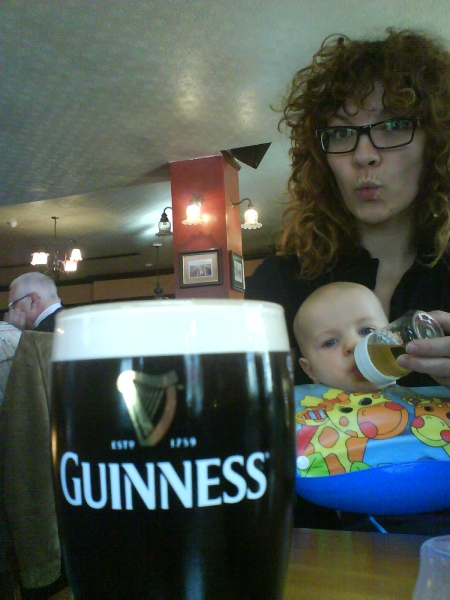 Helena had her first ever Guinness (it was my second ever, we´re no beer drinkers). Mr X had his first ever Staropramen.